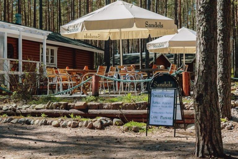 Kaunissaari kahvila-ravintola Cafe Mustikka